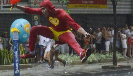 Carnaval de BH tem alerta de chuva a partir de 13h deste sábado