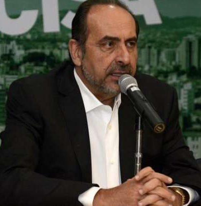 Kalil sinaliza que não pretende deixar a PBH para disputar o governo de Minas