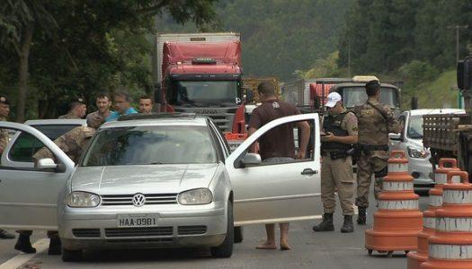 Após decreto de intervenção no RJ, polícias de MG fazem operação na divisa com o estado vizinho para impedir entrada de criminosos